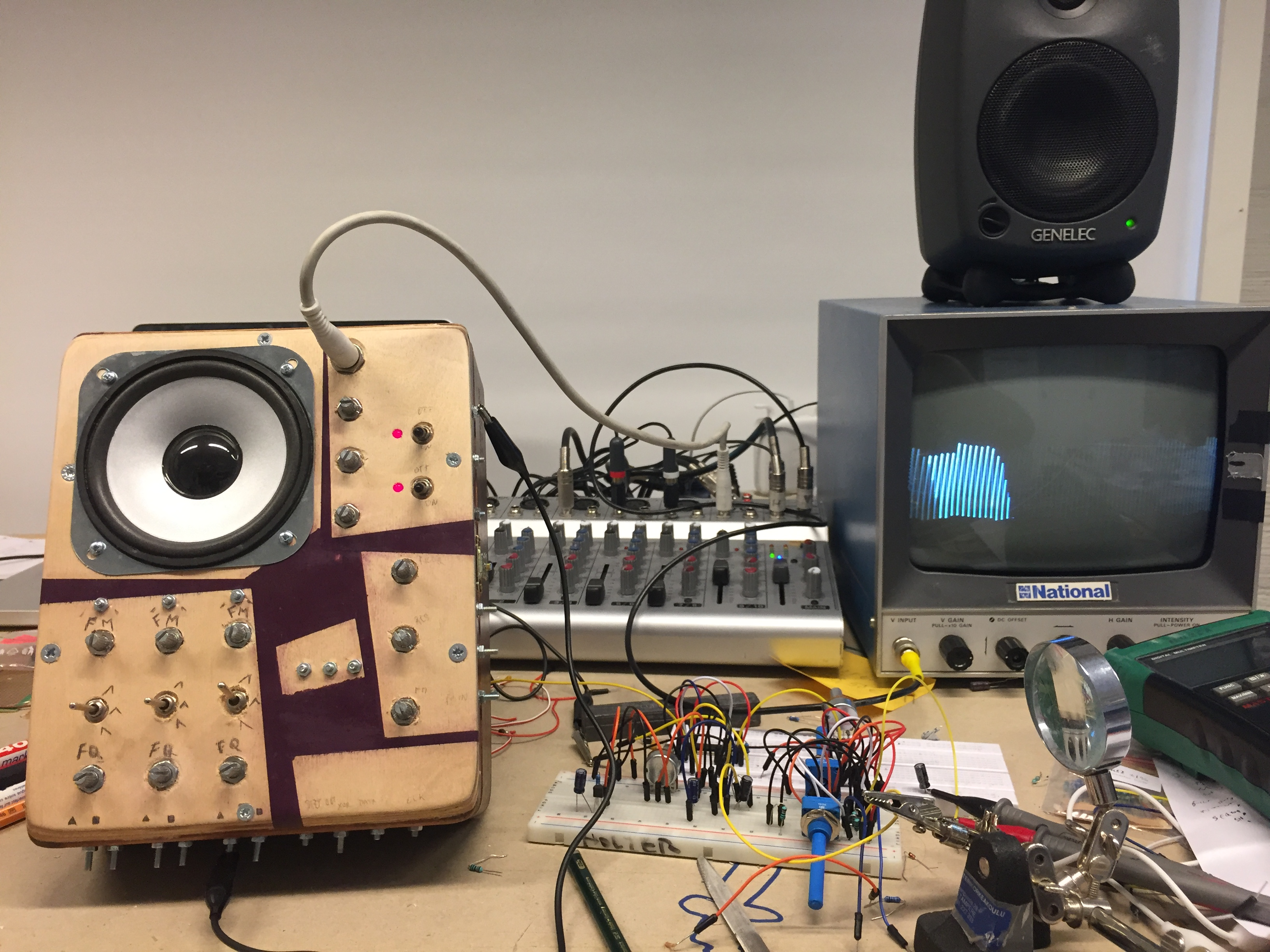 Experimental Sound Instruments Build Electronic Circuits Blog This Is A Workshop Which I Mainly Teach Annually At The Media Lab Of Aalto University Espoo Fi Have Also Taught It Different Schools And Programs In